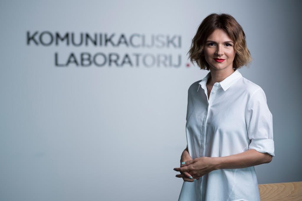 Manuela Šola _Komunikacijski laboratorij