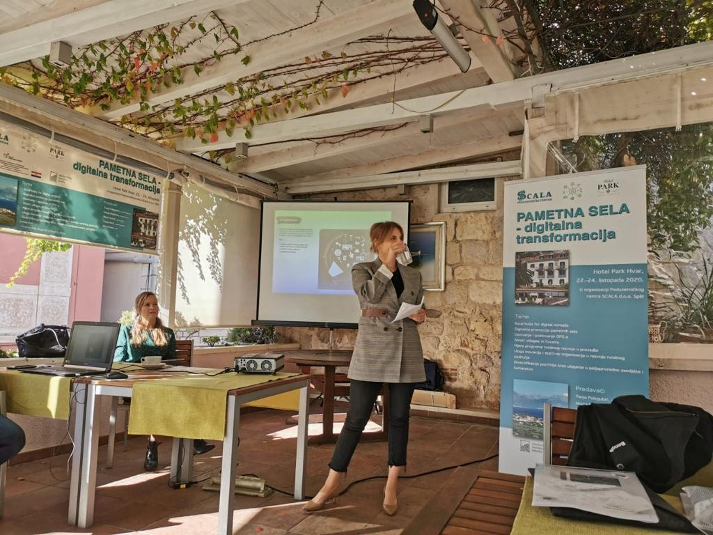 Marija Madiraca održala je zapaženu prezentaciju o tome kako promovirati pametno selo na konferenciji Pametna sela - Digitalna transformacija, koja je održana na Hvaru, a organizirao ju je, krajem listopada, Poduzetnički centar Scala iz Splita / Foto: KonektingStars